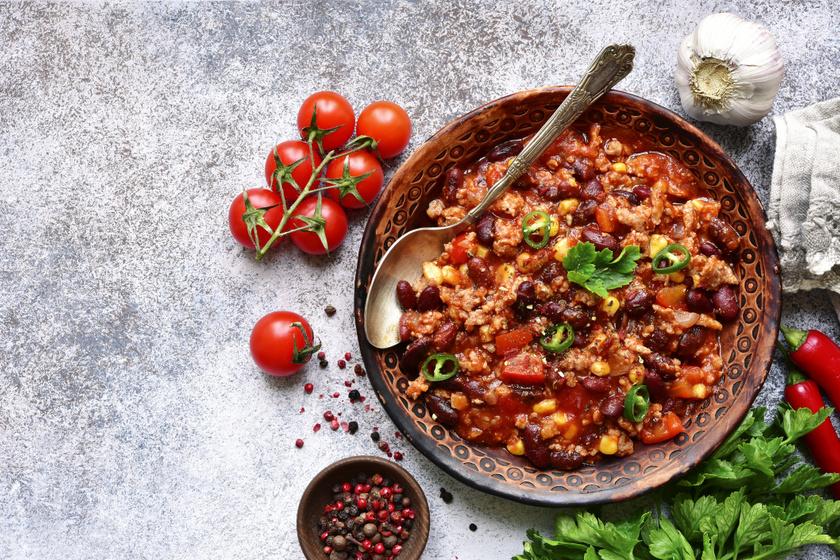 Szaftos, fűszeres mexikói chilis bab: laktató és sűrű fogás