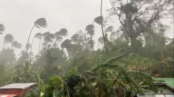 Halálos áldozatokat követelt a Fülöp-szigeteken végégsöprő tájfun