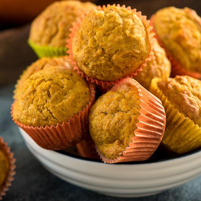 Színes és illatos tésztájú sütőtökös muffin: csak forgasd egybe a hozzávalókat