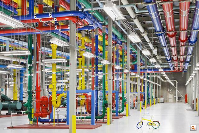 Itt lakik az internet - Nagykép a Google szerverfarmjairól