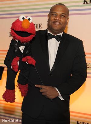 Elmo (balra) és Kevin Clash egy 2011-es díjátadón.
