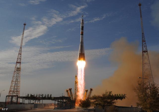 A Szojuz TMA-06M űrhajó startja a kazah Bajkonúr űrközpontból október végén.