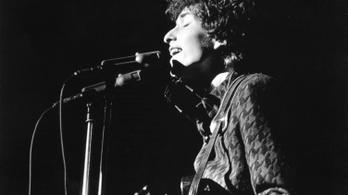 Bob Dylan az antiszemitizmus miatt változtatott nevet