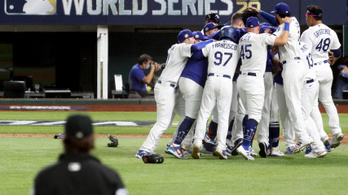 Baseballban is Los Angelesbe került a trófea