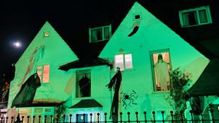 Túl félelmetes lett a halloweenes dekoráció, szólt a szomszéd, hogy vegyék le