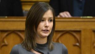 Dúró Dóra: Nem lehet a cigánybűnözésről beszélni a Facebookon