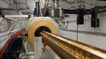 Pénzkidobás a sötét anyag keresése?