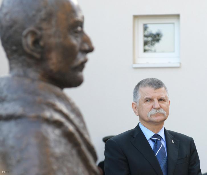 Kövér László a cégénydányádi Tisza István-szobor avatásán
