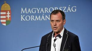 Szlávik János: Azok kerültek kórházba koronavírussal, akik tömegrendezvényeken jártak