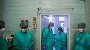 Újabb elkeserítő adatok: 56 halott, több mint kétezer fertőzött