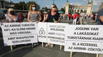 Két üzleti kör is feni a fogát a válságban eladott budapesti hotelekre