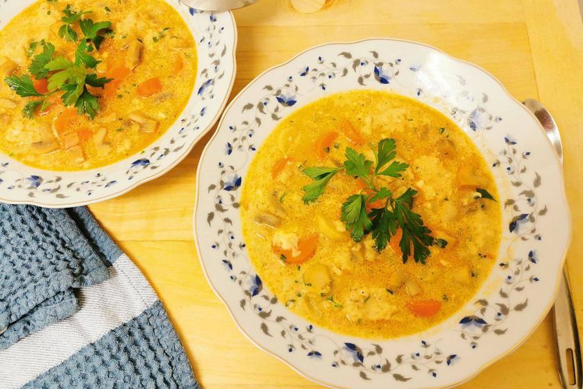 Mamaféle tejfölös gombaleves: a tartalmas levesből nem hiányozhat a házi galuska