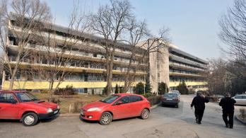 Tömeges koronavírus-fertőzés miatt lezárták a Szent Margit Kórház sebészetét