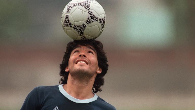 Isten keze és bal lába – 60 éves lett Maradona