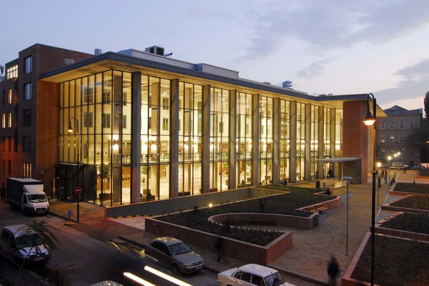 A Semmelweis Egyetem Elméleti Orvostudományi Központja