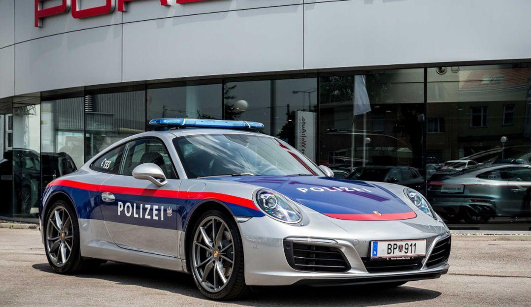 Csupán pár hónapig használta az osztrák rendőrség a Porsche Carrera 911-et 2017-ben, azonban ténylegesen használták: főként autópályán járőröztek vele. Az autónak egyébként jelképes üzenete is volt, azt akarták bebizonyítani, hogy ilyen baromi erős sportautóval, mint a 911 is lehet biztonságosan és felelősségteljesen vezetni.