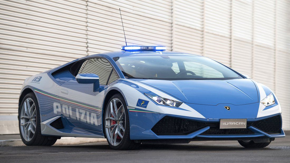 2017-ben állította szolgálatba az olasz rendőrség a 610 lóerős Lamborghini Huracánt, és járőrözésen túl donorszervek szállítására is előszeretettel alkalmazzák. Pár hete például egy donorvesét szállítottak vele 500 kilométeres távon, helyenként 230 km/órával száguldva. A 2018-as évben egyébként a Huracán 41 átültetésre váró szervet szállított le, több zacskó vér, oltás, és gyógyszer mellett.