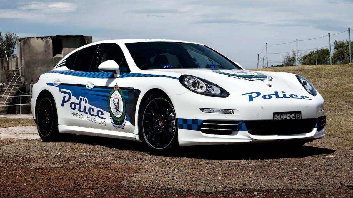 Ugyanezt a cél szolgálta 2013-tól kezdődően egy Porsche Panamera is Ausztráliában, a rendőri munkát akarták vele ösztönözni. Rendezvényeken túl rengeteg iskolába is elvitték.