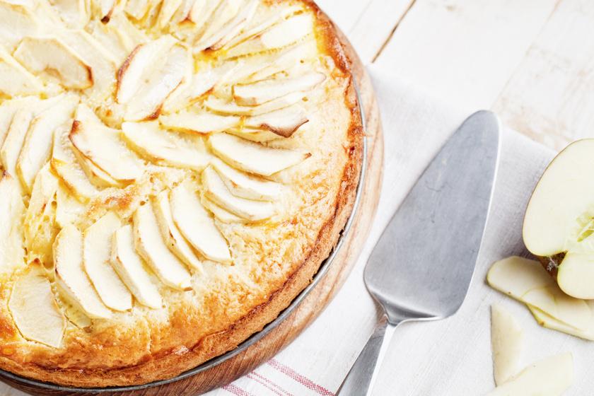 Mennyei almás-fahéjas süti: joghurtos kevert tésztából, tortaformában