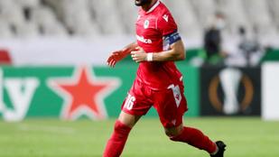 Európa-liga: félpályán túli góllal sokkolták a PSV-t, nyert a Napoli és az Arsenal