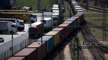 Díjcsökkentést kértek a vasúti árufuvarozók Palkovics Lászlótól