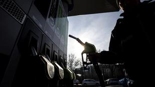 Pénteken is csökkent az üzemanyagok ára