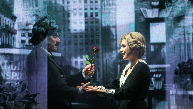 Chaplinék gratuláltak a Játékszín Chaplin-darabjához