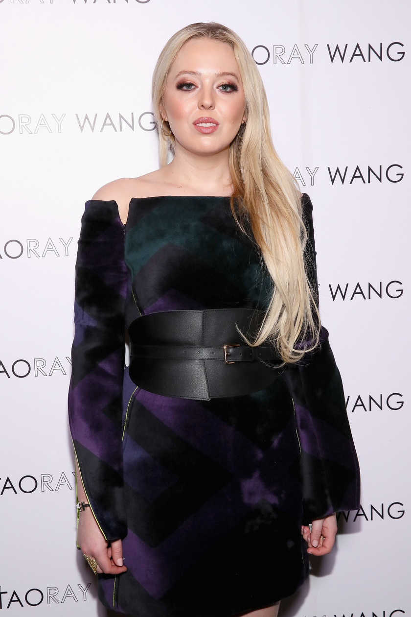 Tiffanyról 2019 februárjában Taoray Wang divattervező show-ja előtt készült ez a fotó.