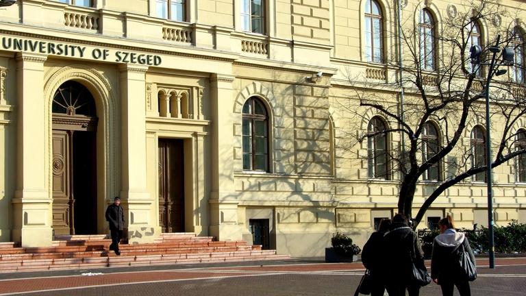 Orvostanhallgatókat toboroznak a Covid-ellátásba