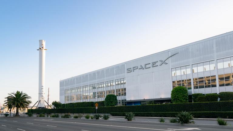 A SpaceX megkezdte a műholdalapú globális internetszolgáltatás forgalmazását