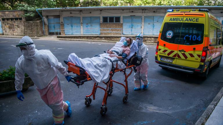 Ijesztő koronavírus-adatok: soha nem volt még ennyi új fertőzött
