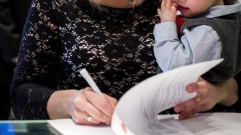 Már több mint százmilliárdot fektettek a szülők babakötvénybe