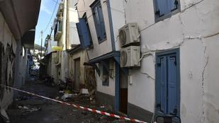 Folytatódik a mentés az Égei-tengeri földrengés után