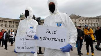Ausztriában keddtől kijárási tilalmat vezetnek be