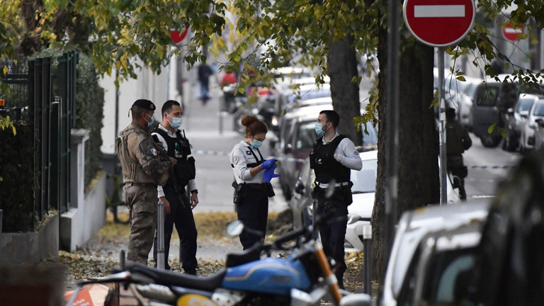 Újabb merénylet, Lyonban rálőttek egy ortodox papra