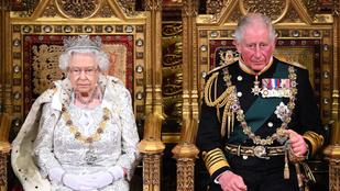 A királyi család életrajzírója szerint II. Erzsébet jövőre átadja a trónt Károly hercegnek