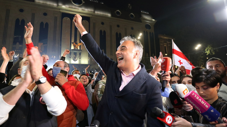 Dől a posztszovjet dominó: utcára megy az ellenzék a grúz választási eredmények miatt
