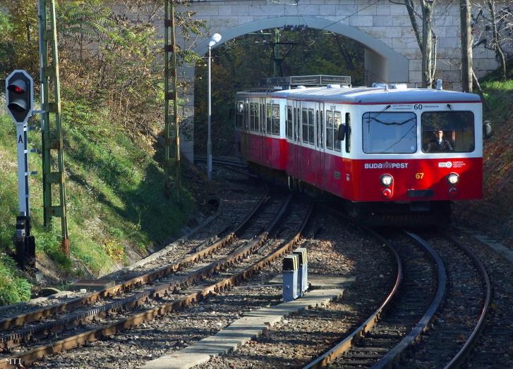 A BKK-BKV 60-as számú vonalán közlekedő Budapesti Fogaskerekű Vasút