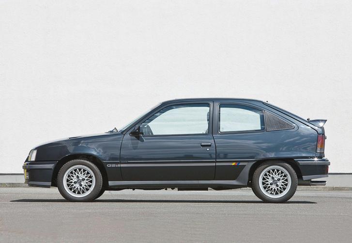 1988 A258035 Opel Kadett GSi E