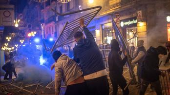 Törtek-zúztak a járványügyi korlátozások ellen tüntetők Spanyolországban