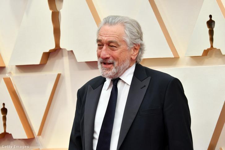 Robert de Niro megérkezik az Oscar-gálára 2020. október 30-án