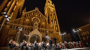 Indul a roham a Szegedi Szabadtéri Játékok karácsonyi bérleteiért
