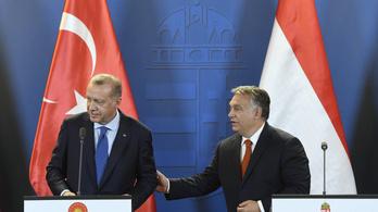 Orbán Viktor segítséget ajánlott fel az égei-tengeri földrengés utáni mentéshez