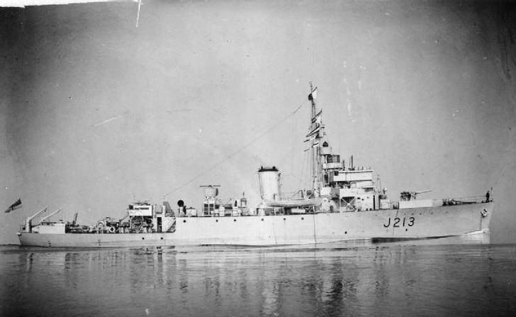 Algerine osztályú aknaszedő. Ilyen típusú hajó volt az HMS Spanker is