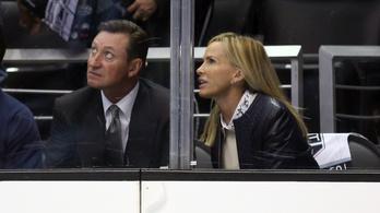 Plexibalesetek: a magyar hokis kitörte, Gretzky feleségére ráesett