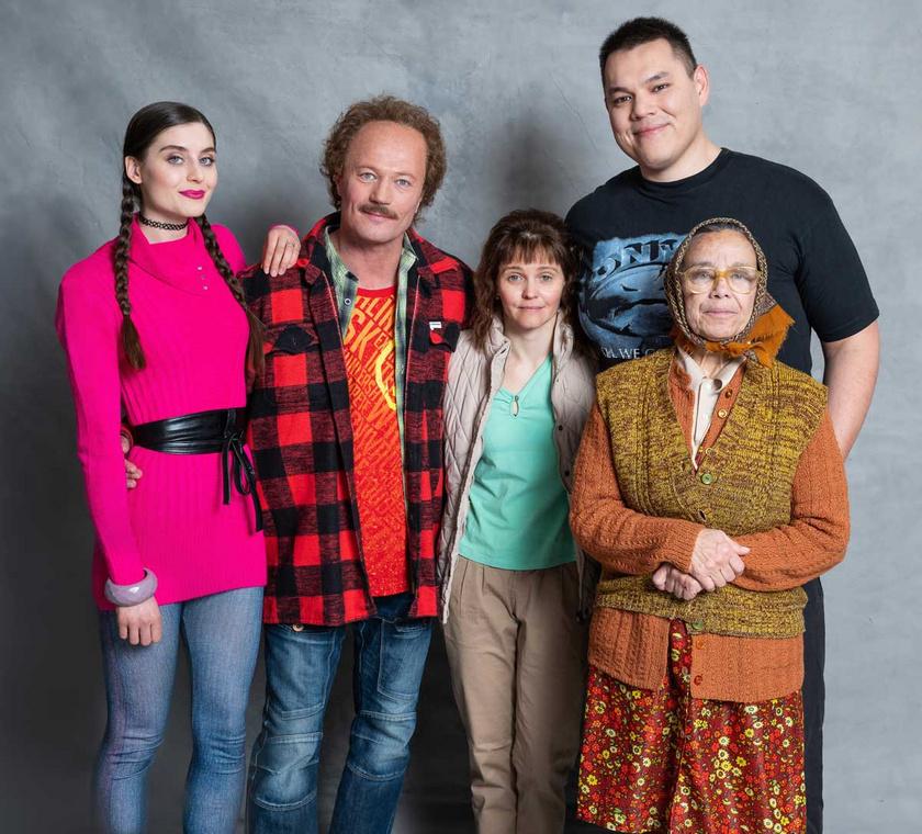 Az Egyszer volt Budán Bödör Gáspár című sorozatban Stefanovics Angéla a címszereplő (Stohl András) feleségét alakítja.