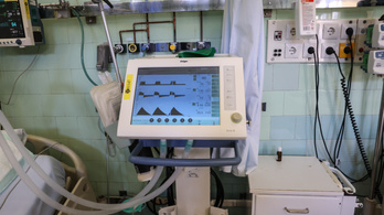 Reagált az OKFŐ: álhír, hogy nincs elég lélegeztetőgép