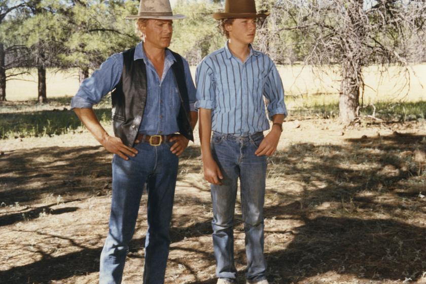 Terence és Ross Hill A keményfejű című, 1987-es film forgatásán.