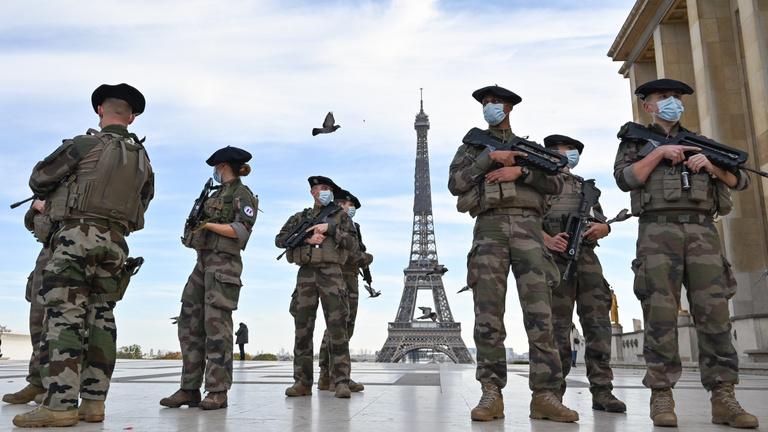 Hadviselés terrorral – az egyetemes, kötelező és véget nem érő dzsihád