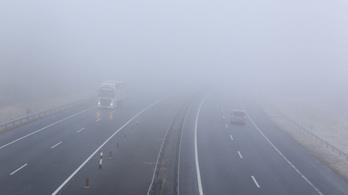 Sűrű köd miatt figyelmeztetnek
